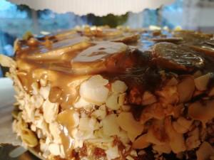 biszkopt z kremem karpatka i bananami w czekoladzie